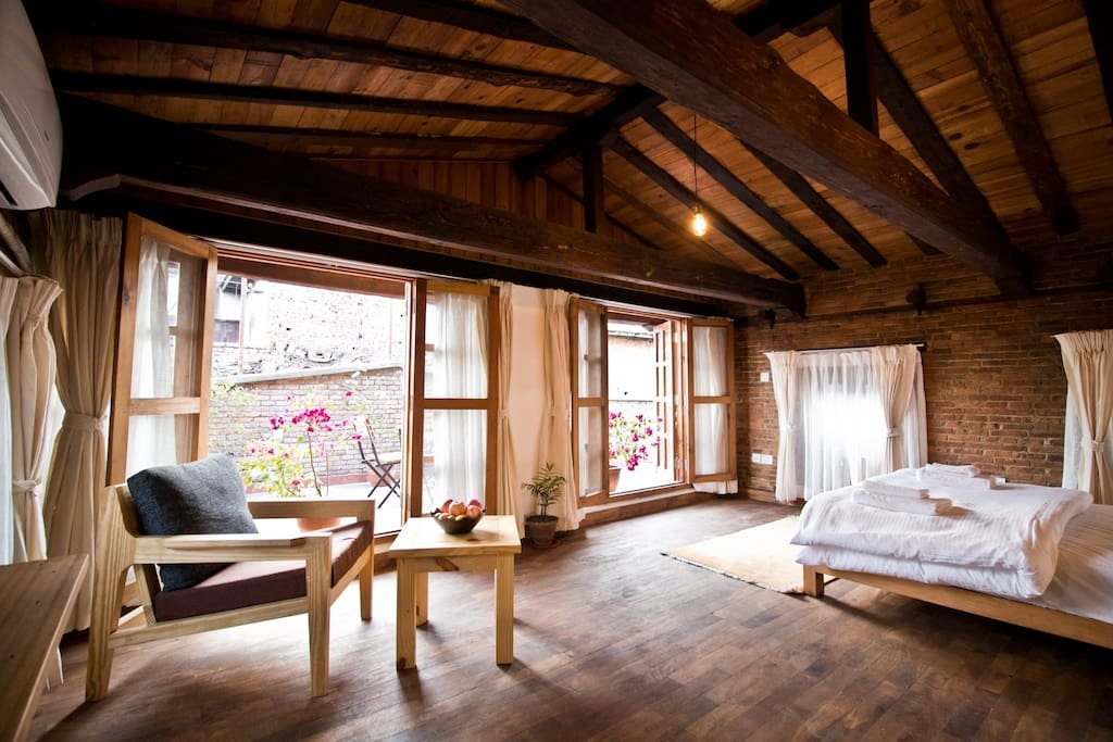top 10 airbnbs in
