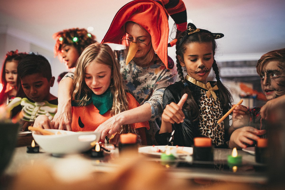 Try these spooky and fun diy halloween party ideas for your next bash. Halloween Party Themes Care Com