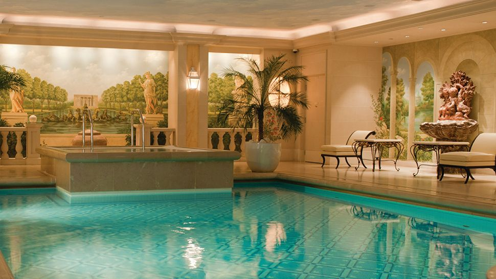 Four Seasons Hotel George V Paris ledeFrance France