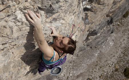 18 TopKletterinnen beim ersten AustriAlpin Girls Rock Day  Kletterszenecom  Klettern und