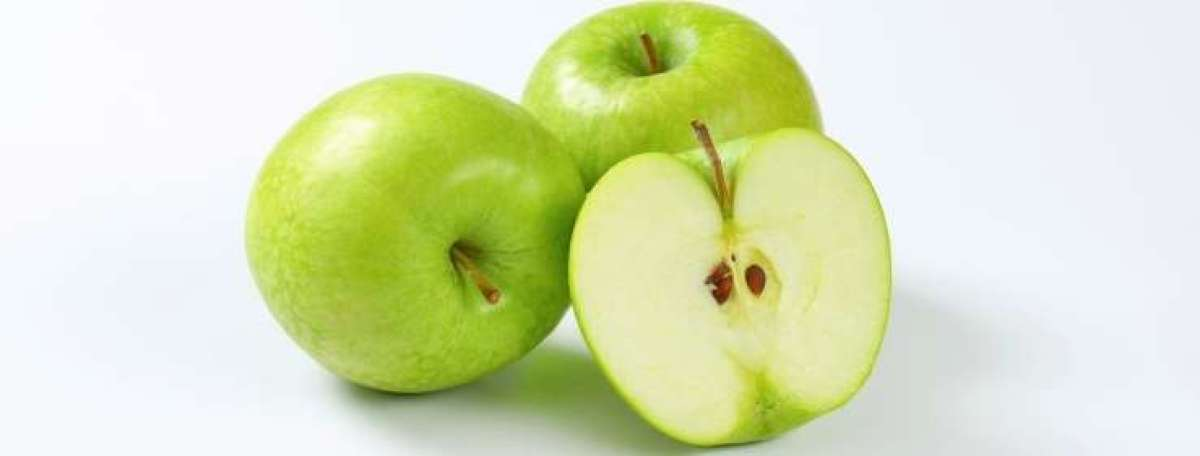 Ali so jabolčne pečke strupene ?