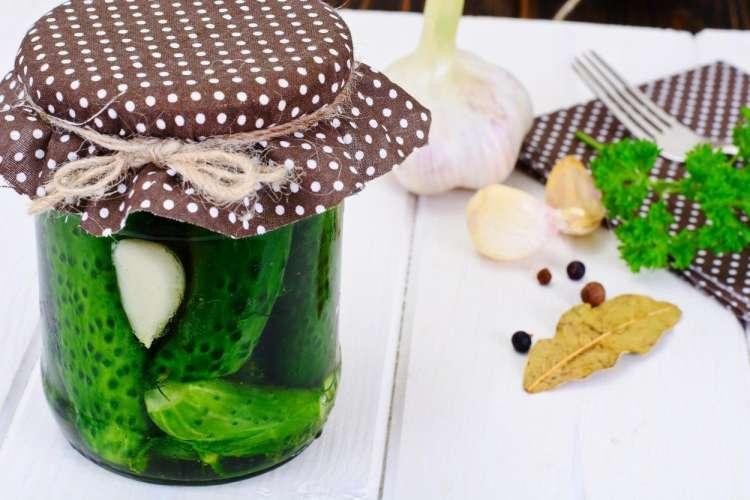 Nočni krči ? Pomagajte si s sokom vloženih kumaric.