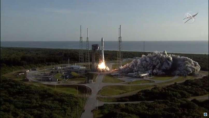 Ameriško plovilo na poti na Mars naletelo na tehnične težave