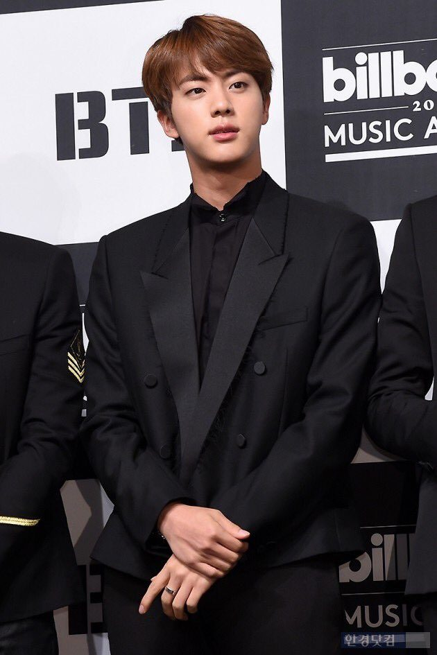 https://i0.wp.com/cdn.koreaboo.com/wp-content/uploads/2017/05/jin-4.jpg