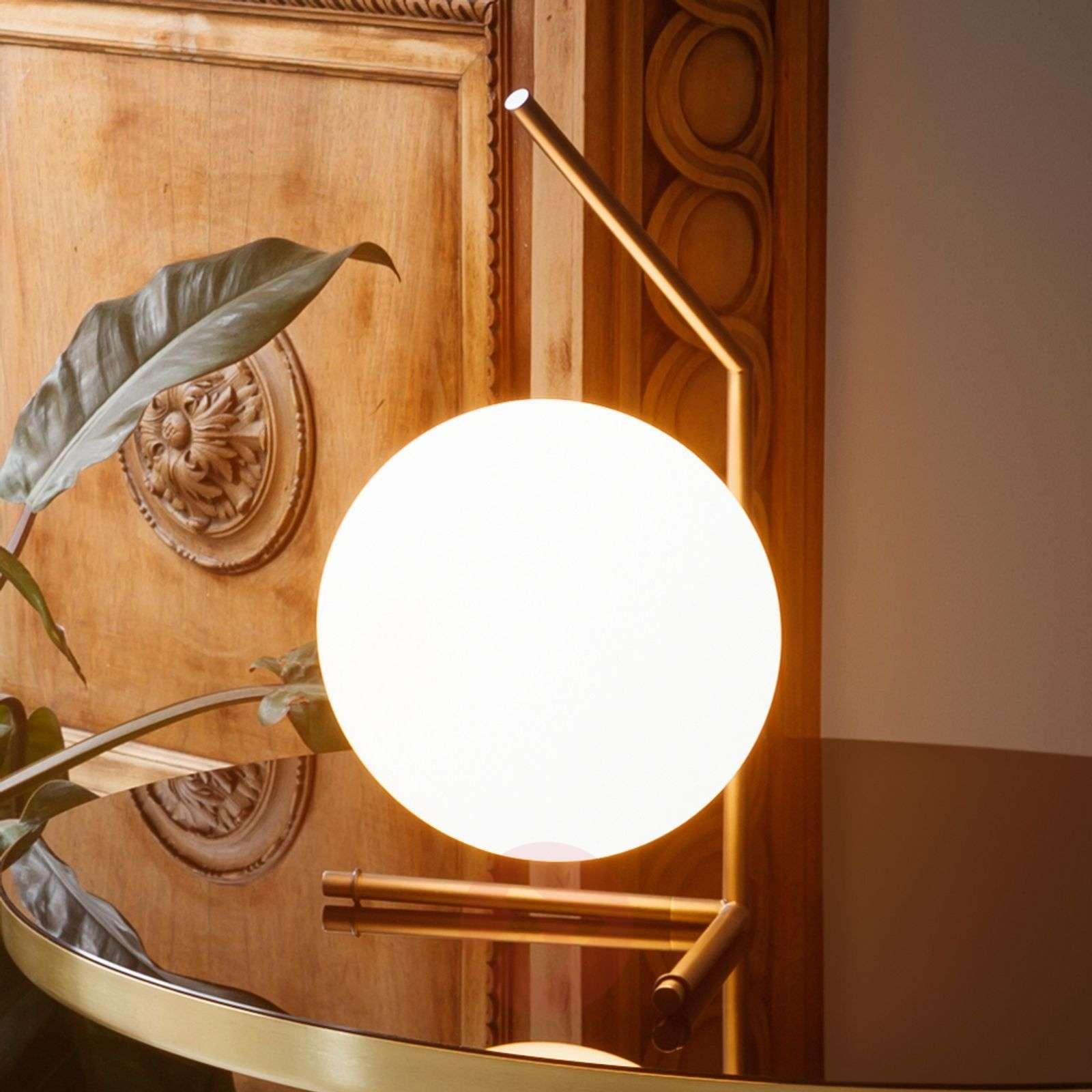 Splendida Lampada Da Tavolo Ic T1 Di Flos