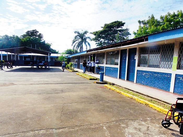 La escuela Humberto Amador, de Rivas, lució así la mayor parte del día. LA PRENSA/R. VILLARREAL.