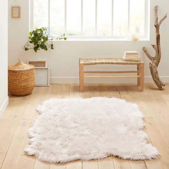 tapis effet peau de mouton livio 135 x 190 cm