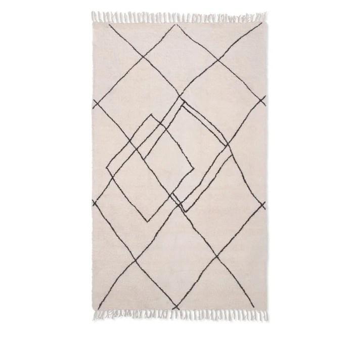 tapis d inspiration berbere a motifs losanges handel