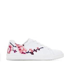 Imagen de Zapatillas con detalles de flores CASTALUNA