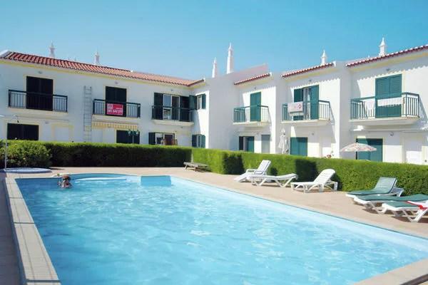 Ferienwohnungen/Ferienhäuser: Atmosphärische Apartment mit Klimaanlage, Pool und Terrasse, in Strandnähe (max. 4 Personen)