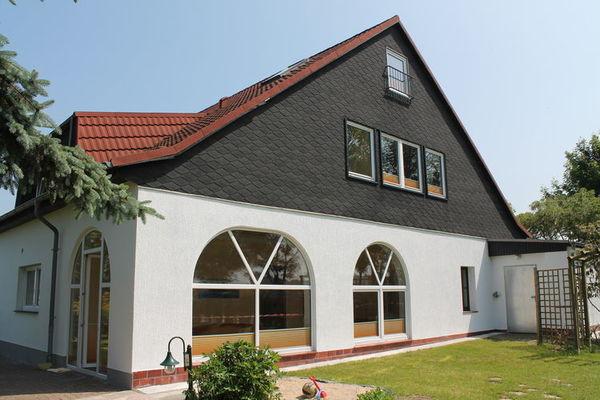 Ferienwohnungen/Ferienhäuser: 4 kombinerte Ferienwohnungen, strandnah mit Garten und Terrasse für 10 Personen (max. 10 Personen)