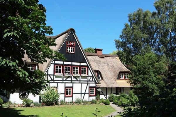 Ferienwohnungen/Ferienhäuser: 2 kombinierte Ferienwohnungen mit Außensauna, großem Garten, Spielplatz (max. 8 Personen)