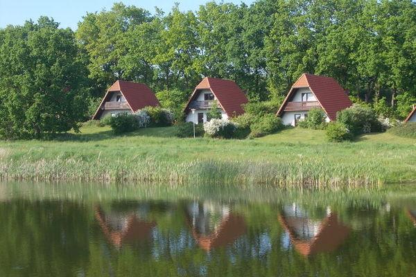 Ferienwohnungen/Ferienhäuser: 2 nebeneinander liegende Häuser in ruhiger kinderfreundlicher Anlage (max. 10 Personen)
