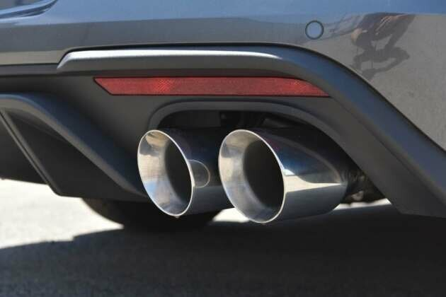 bassani 5018r35 3 cat back exhaust system with race mufflers 2018 2020 mustang gt
