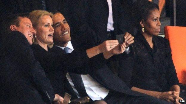 Селфи Барака Обамы, Хелле Торнинг-Шмидт и Дэвида Кэмерона