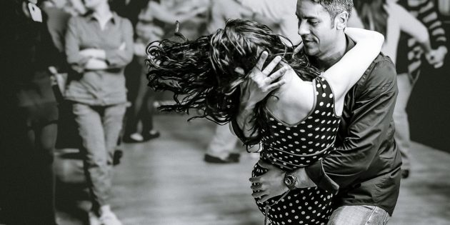 Jak se naučit tančit Sociální tance: Bachata