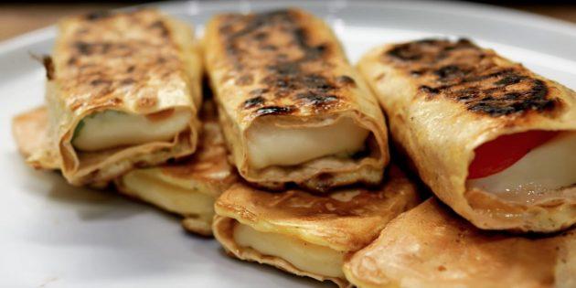 صبحانه سریع: لواش رول با پنیر