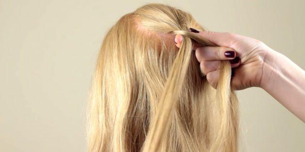 موهای راست را بردارید و به رشته سمت چپ اضافه کنید