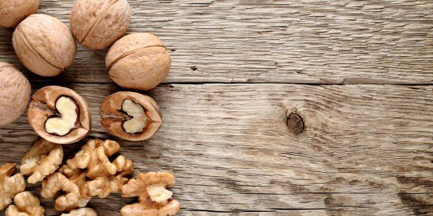 Как бороться с бессонницей: помогут грецкие орехи
