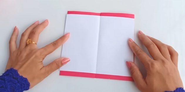Falten Sie die zukünftige Postkarte in den Kurvenlinien