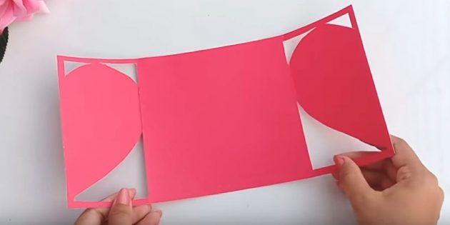 Қолдарыңыз үшін сәлемдесу картасы: екі жағындағы қағазды кесіңіз