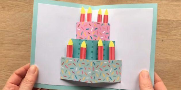 كيفية صنع بطاقات مع كعكة عيد ميلاد تفعل ذلك بنفسك