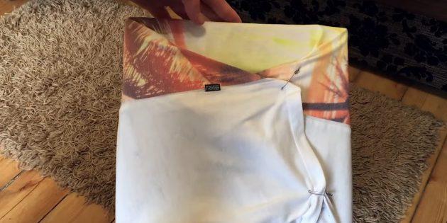Hus til katten gør det selv: Fix den nederste t-shirt