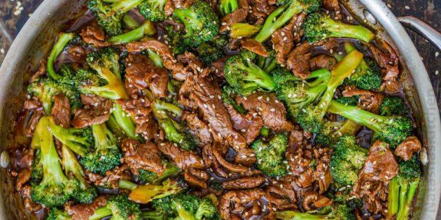 Brokuły naleśniki z parmezanem: Prosty przepis