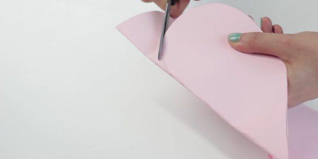 Kendi ellerinizle zarf: Kağıttan kalbi kes