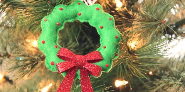 Julgransleksaker från filt