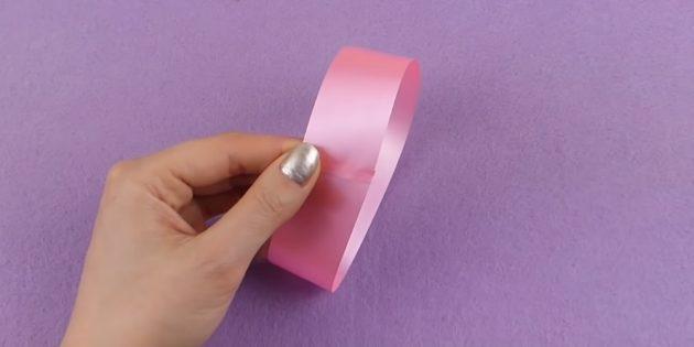Cara Membuat Busur: Lem Satu Strip
