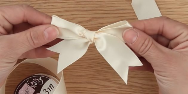 How to tie a classic bow