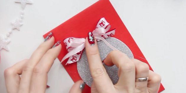کارت پستال برای سال جدید آن را خودتان انجام دهید: تعظیم دوم را اضافه کنید
