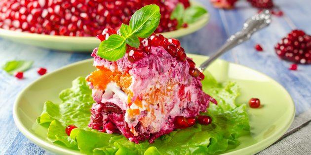 """Salad klasik """"Gelang Pomegranate"""" dengan Ayam: Resipi Mudah"""