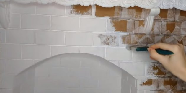 How to make a decorative fireplace with your own hands: Color the fireplace of white matte paint