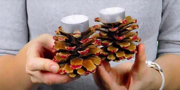 Chandeliers de cônes avec leurs propres mains