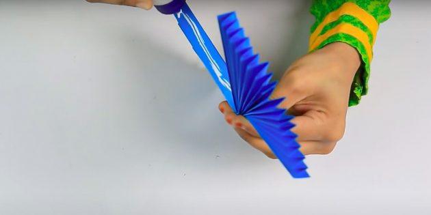 Поделки на 8 Марта своими руками: склейте гармошки между собой