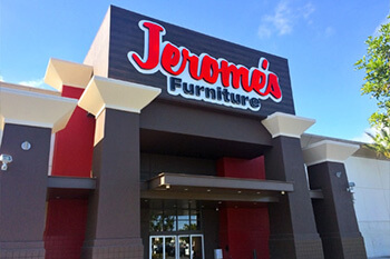 Jeromes Furniture Customer Story With LiveChat
