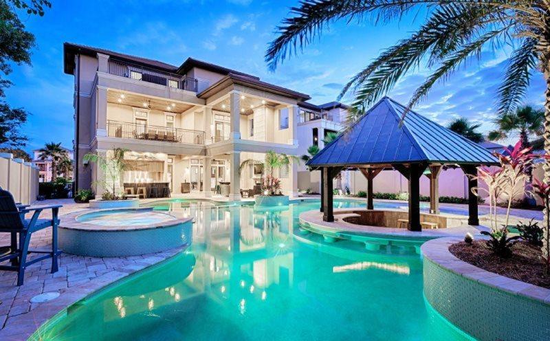 splash luxury home beach