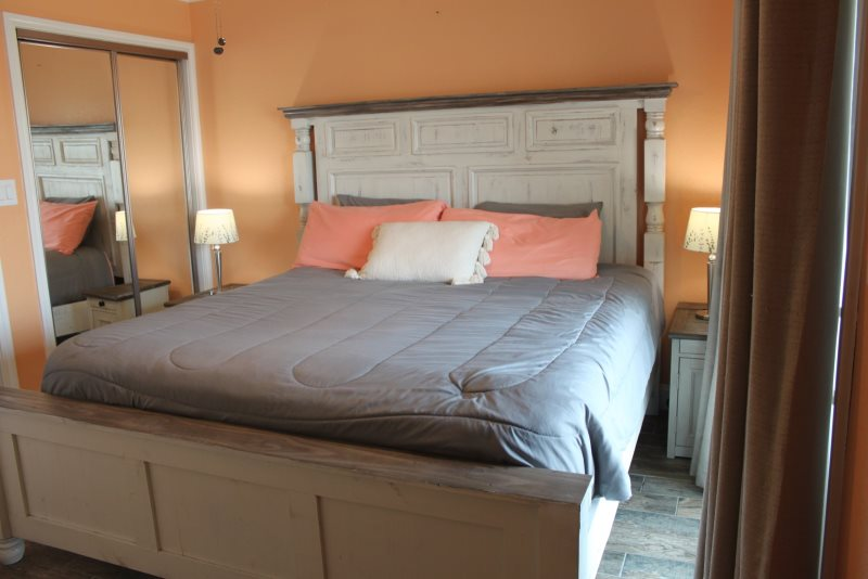This Enticing Condo Offers A Charming Atmosphere That Will