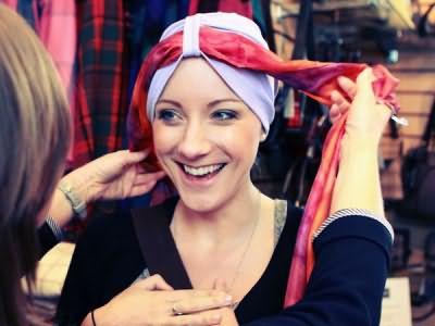 Можно ли при псориазе красить волосы, как это правильно делать, когда окрашивание запрещено, противопоказания и побочные эффекты, побочные эффекты от процедуры, отзывы
