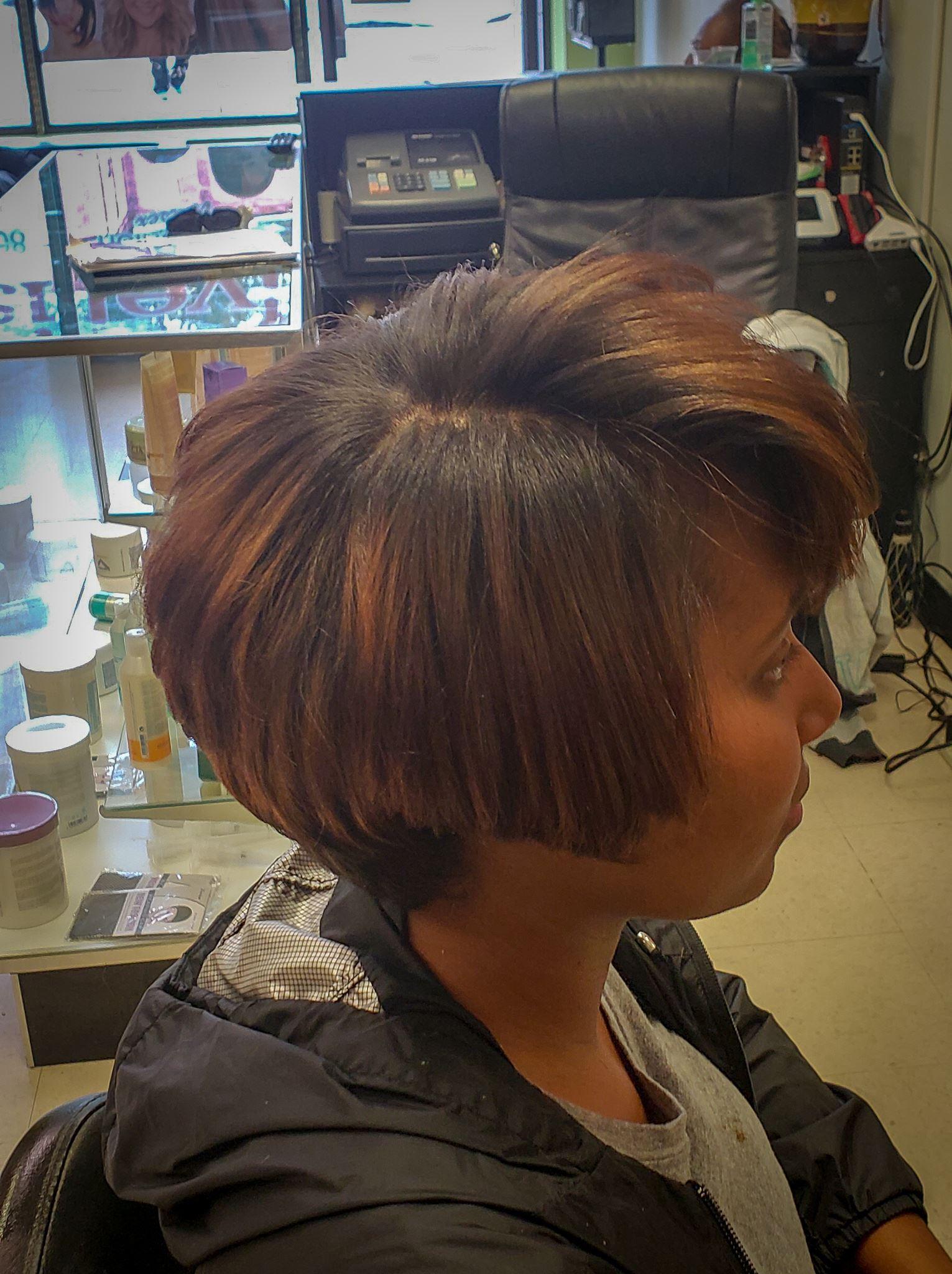 Family Haircut Bristol Ct : family, haircut, bristol, Salons, Bristol,, BestProsInTown