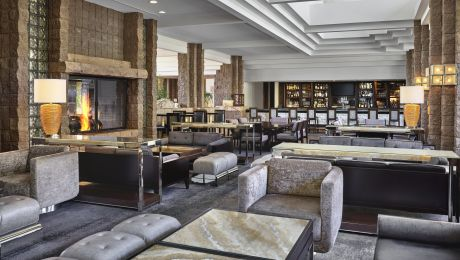 living room wine bar tucson burnt orange accessories cascade lounge loews ventana canyon az lounges discover s most scenic and nightspot where expansive 30