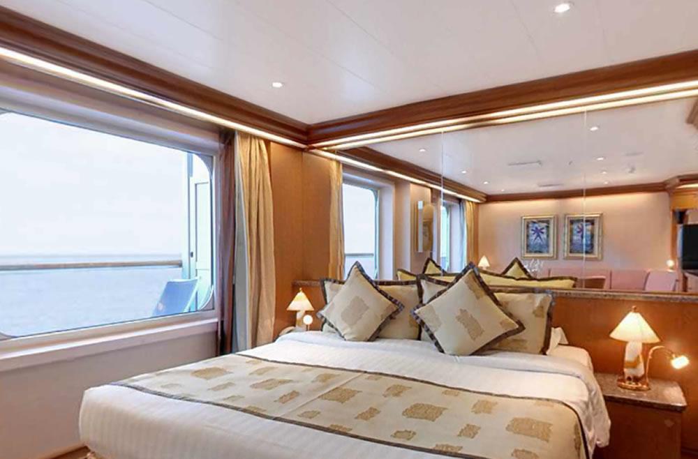 Ponte 7  PERUGINO della nave Costa Magica Costa Crociere