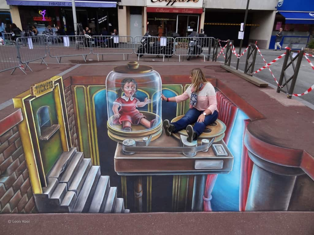 Girl Looking Into Space Wallpaper 15 Stunning Examples Of 3d Street Art