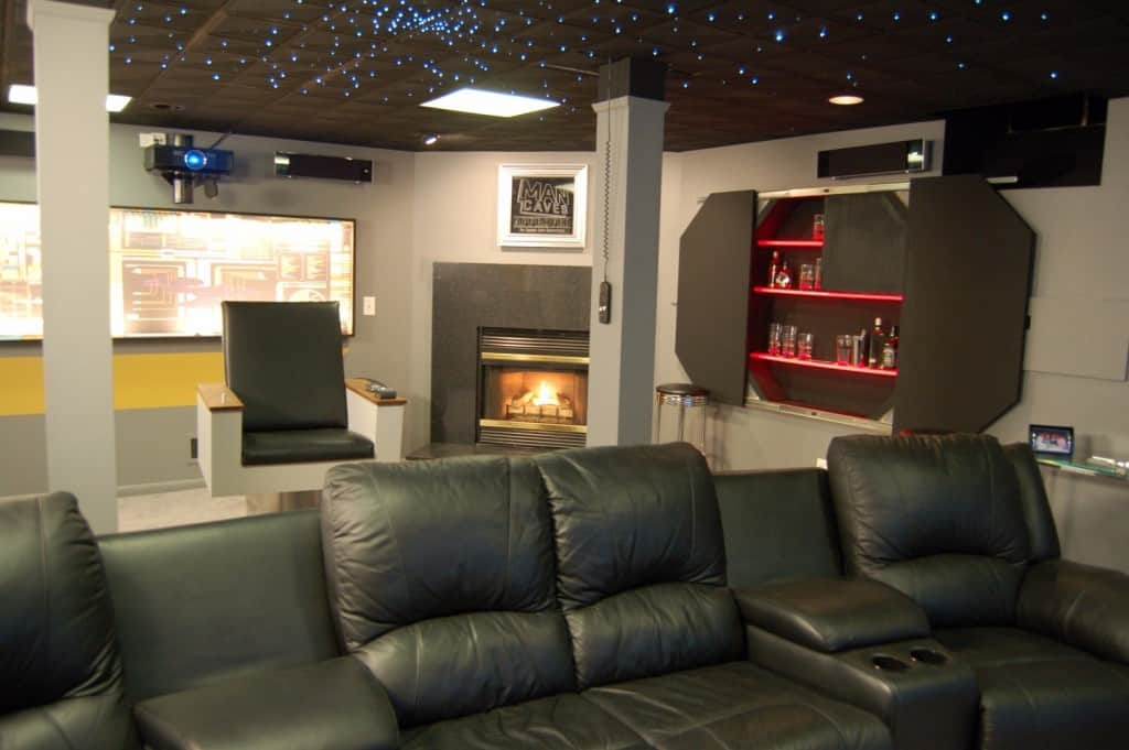 10 Of The Most Awesome Man Caves Youll Ever See