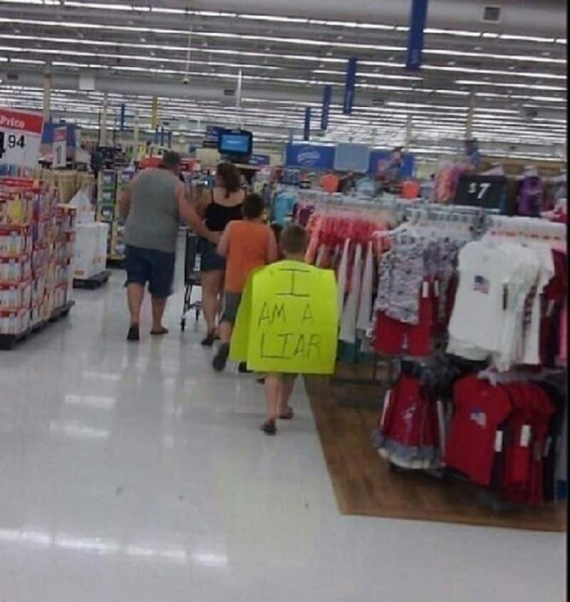 15 Shocking Pictures Taken At Walmart