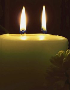 Using multiple wicks in  candle also guide to how decide which wick use rh lonestarcandlesupply