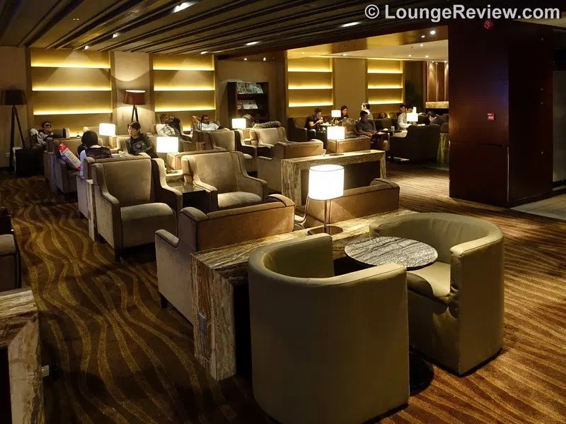 Lounge Review: Plaza Premium Lounge East Hall – HKG gate 1 – LoungeReview.com