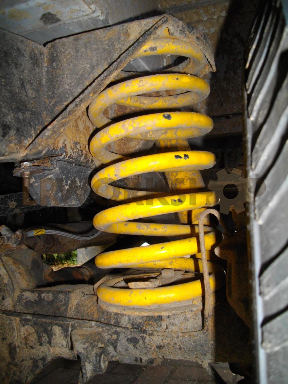 medium resolution of  fitting defender puma utility springs to my 300tdi station wagon
